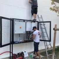 Théziers : installation de l'armoire électrique
